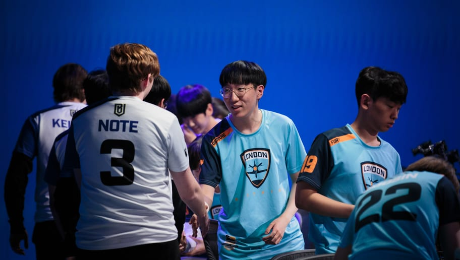 Gesture from the London Spitfire